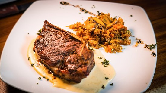 El Feligrez Steak House - restaurantes de cortes y carnes saltillo